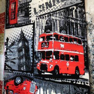 Xαλί αντίκ με σχέδιο που θυμίζει το μαγευτικό Λονδίνο. Η ιδανική λύση για το παιδικό δωμάτιο.